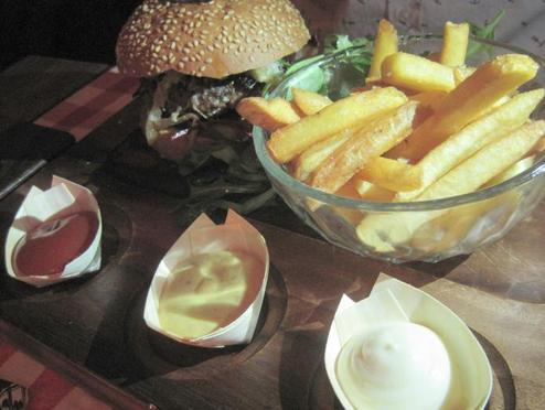 Bar Huf Cafe