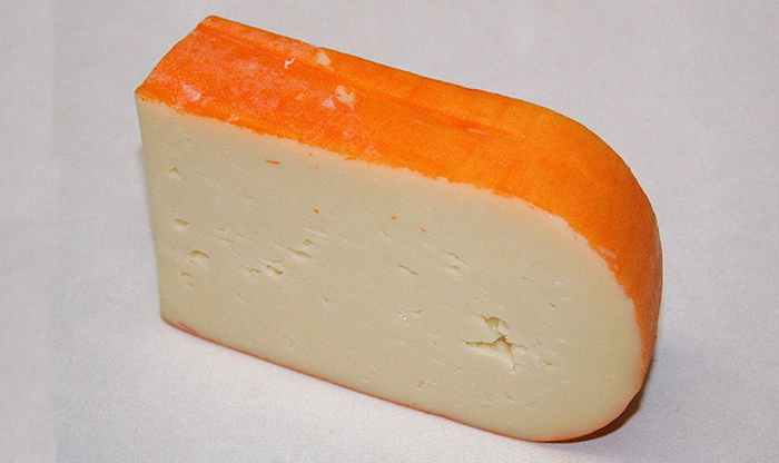 Top foods to try in the Balearic Islands: Maó Cheese