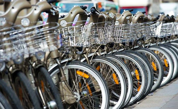 15 of the top activities to get outdoors in Paris: Bikes in Paris