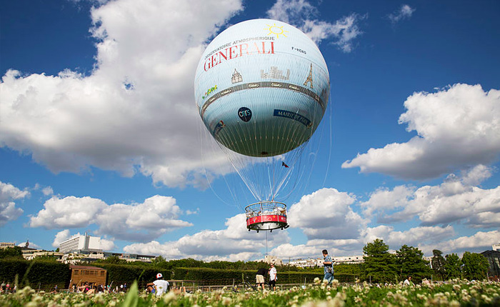 15 of the top activities to get outdoors in Paris: Hot air balloon in Paris