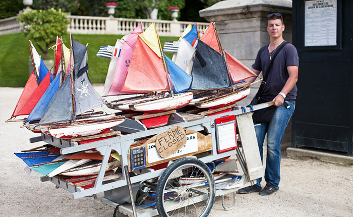 15 of the top activities to get outdoors in Paris: Sailboats at Jardin du Luxembourg