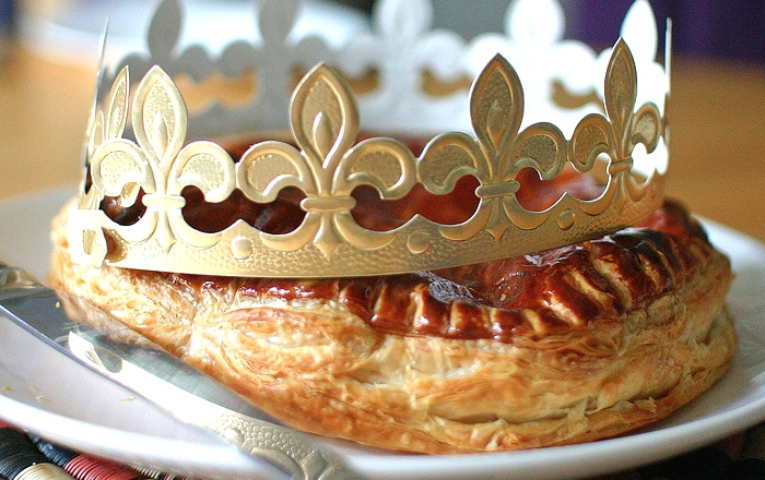 Christmas in France traditions: French king cake