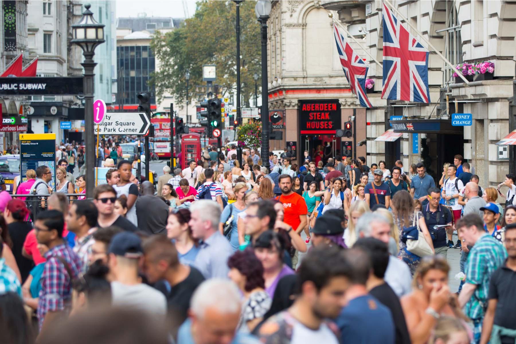 uk crowds