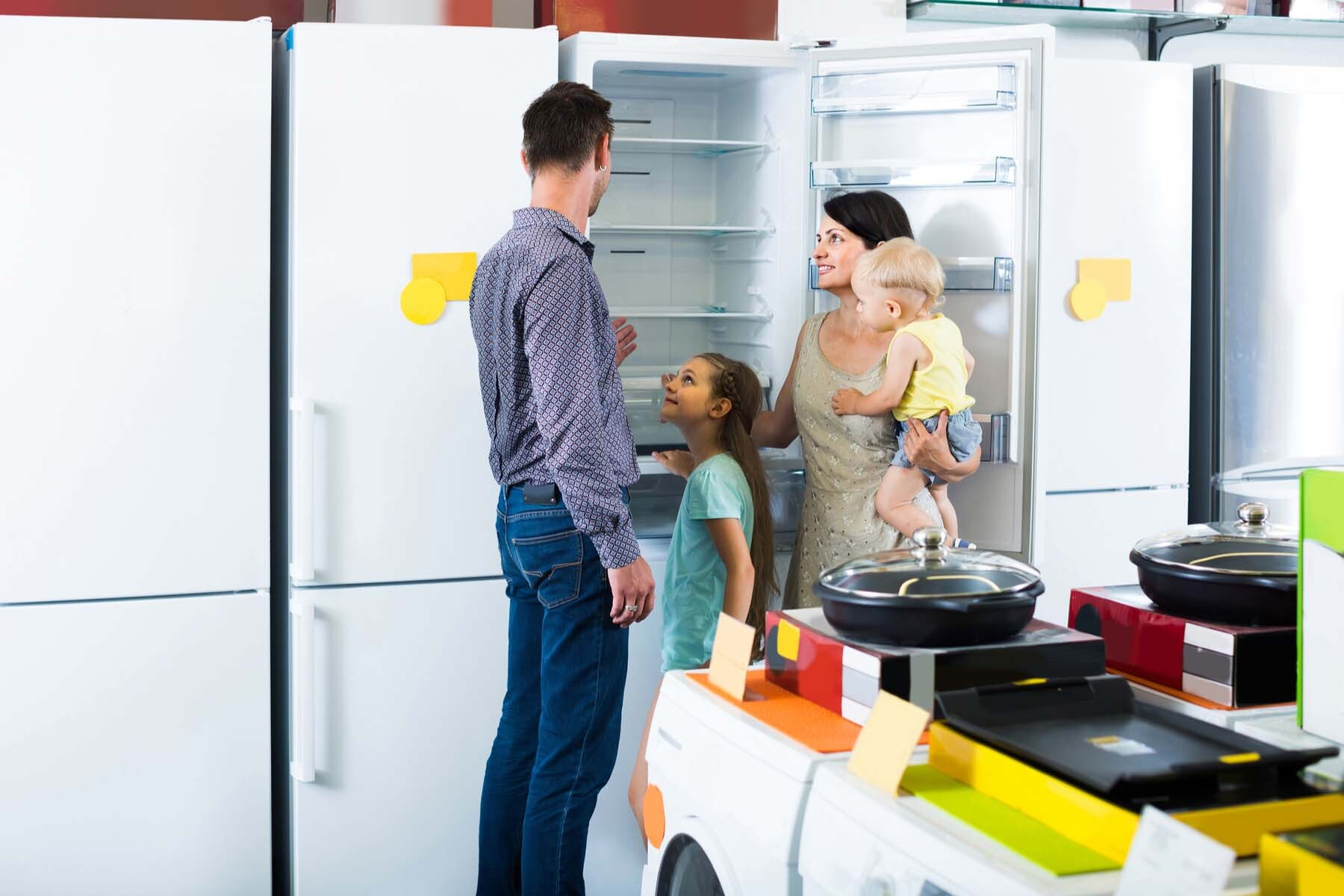 family shops for energy efficient appliance