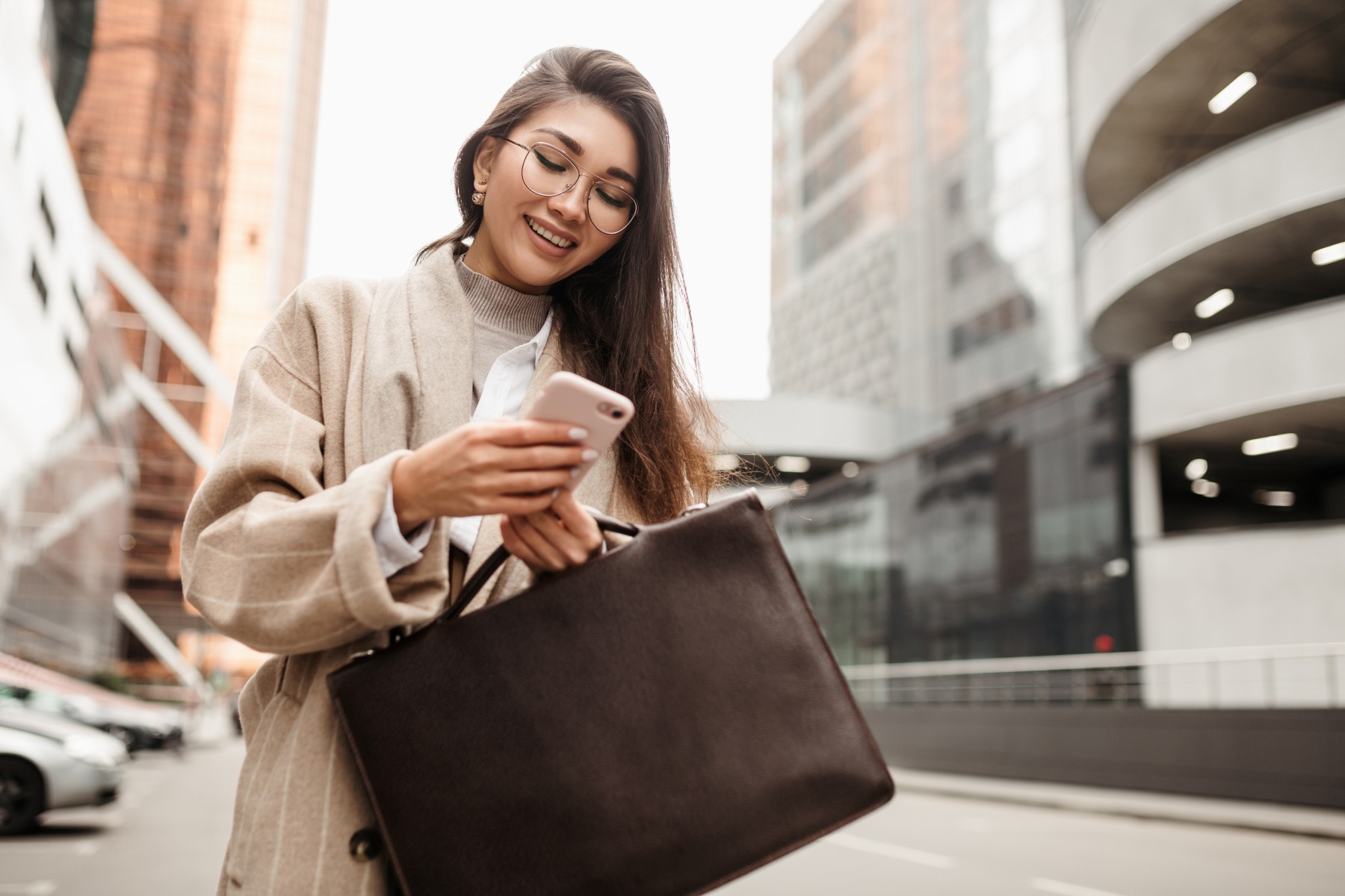 Russia business woman using mobile banking