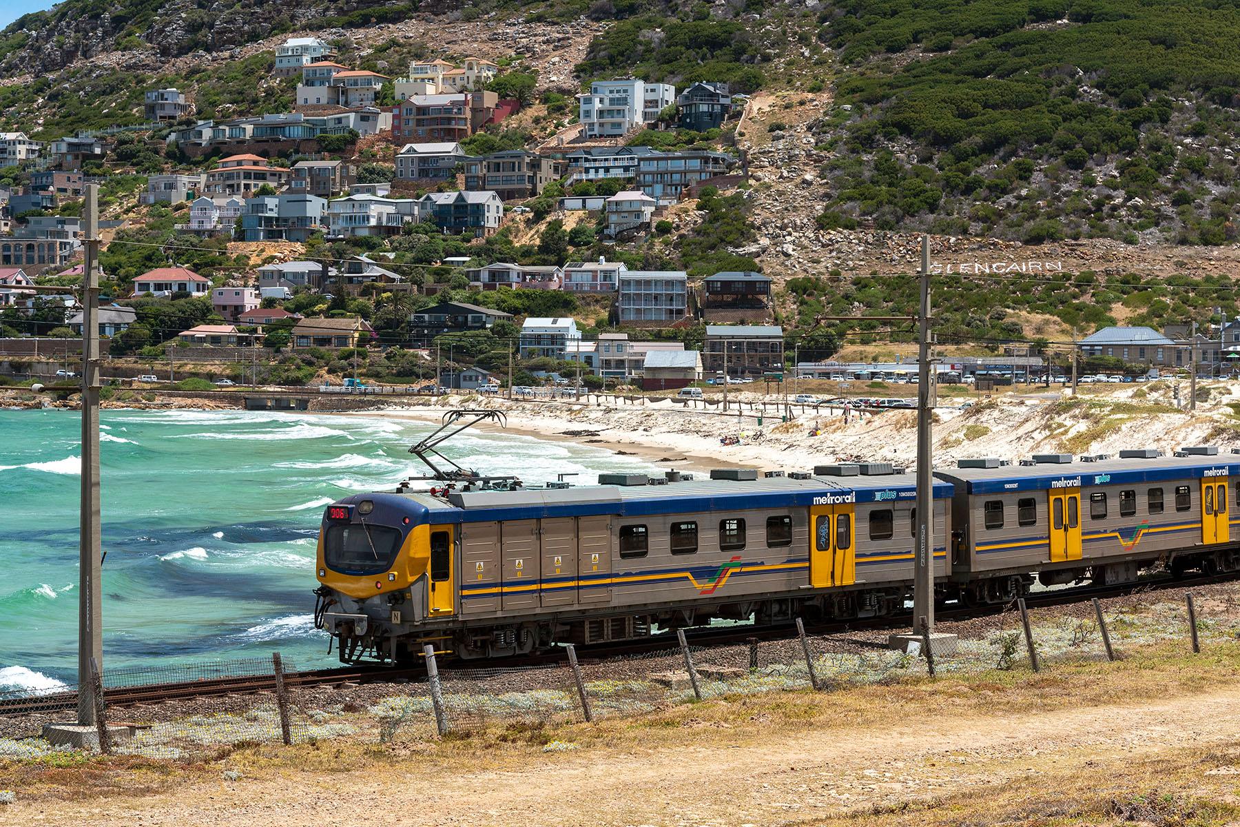Metrorail Western Cape train in Glencairn