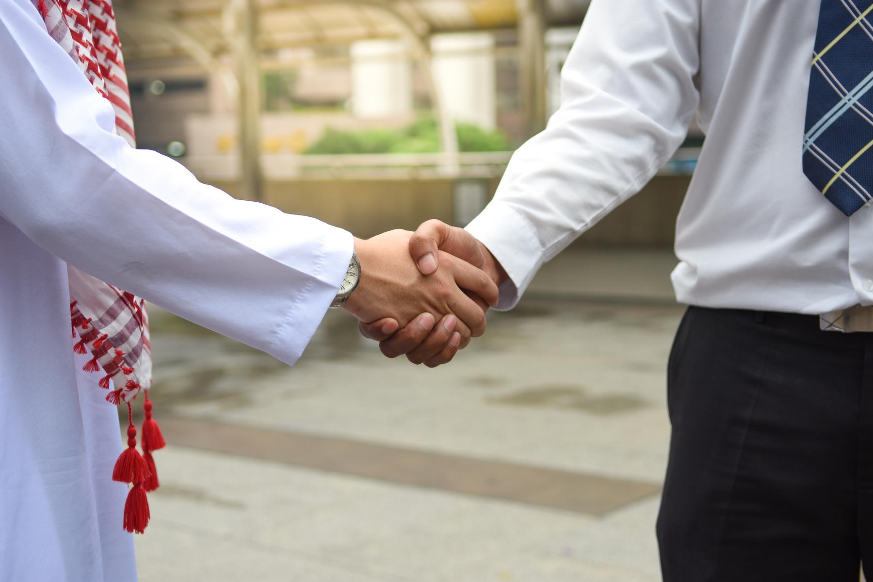 Handshake with a Saudi businessman