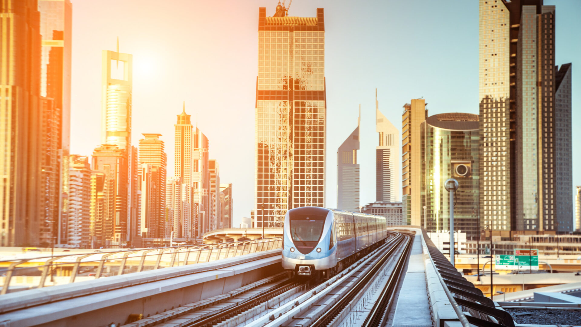 Public transport in the UAE: a guide to getting around | Expatica