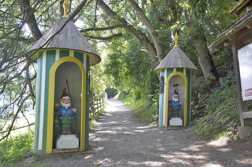 Fairy Tale Mile, Trebesing