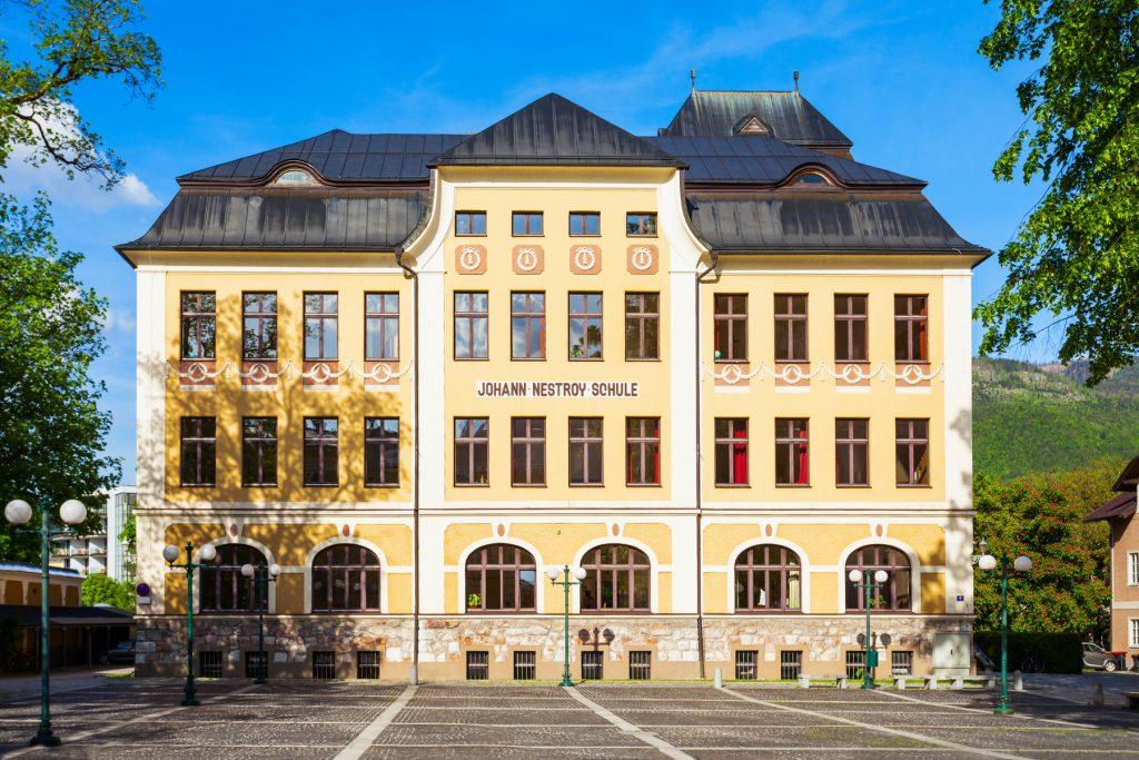 Johann Nestroy Schule