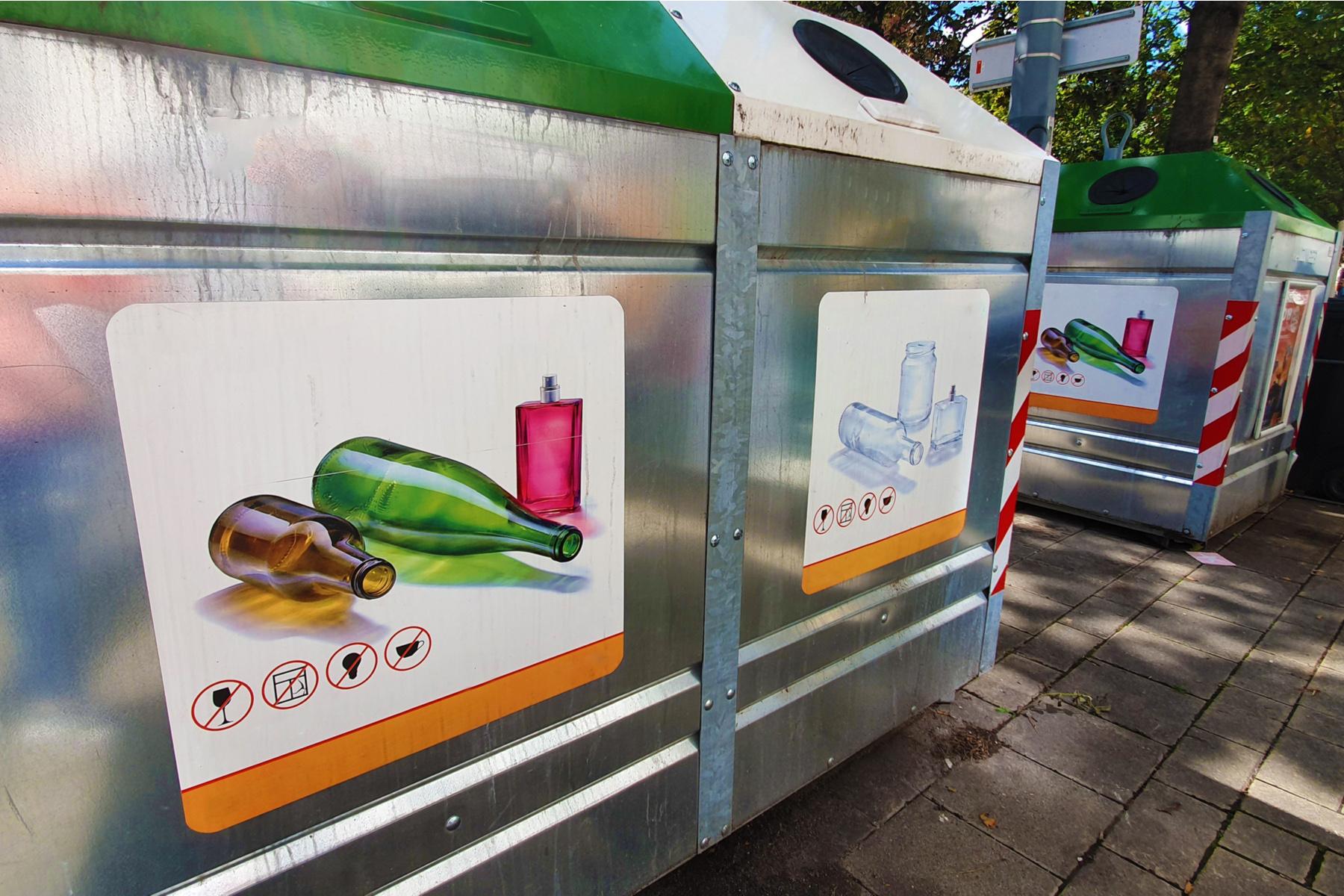 Recycling bins in Vienna