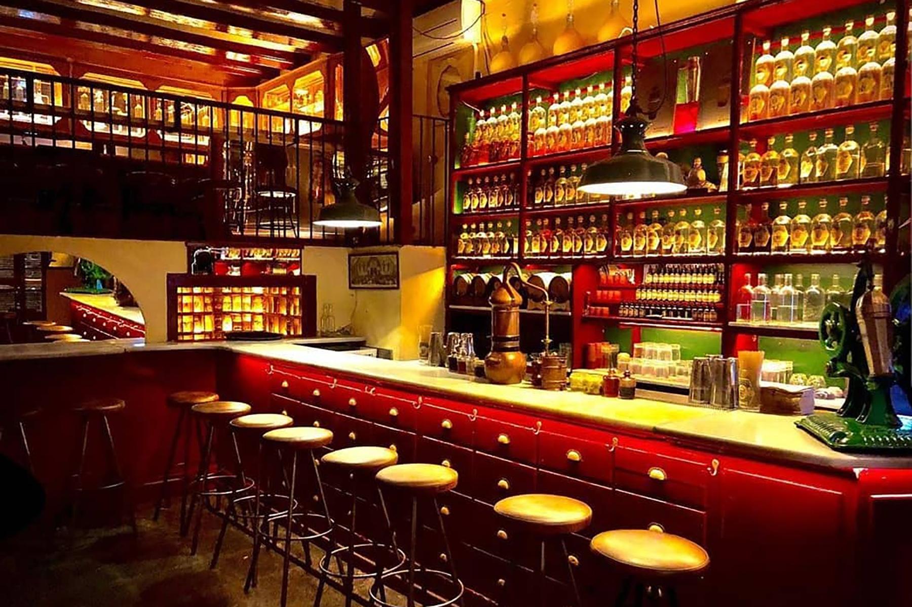 bars in barcelona: dr. stravinsky