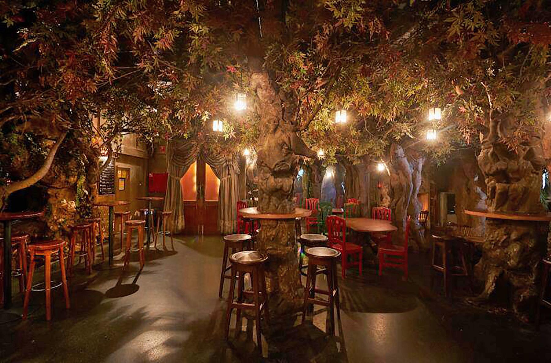 bars in barcelona: el bosc de les fades barcelona