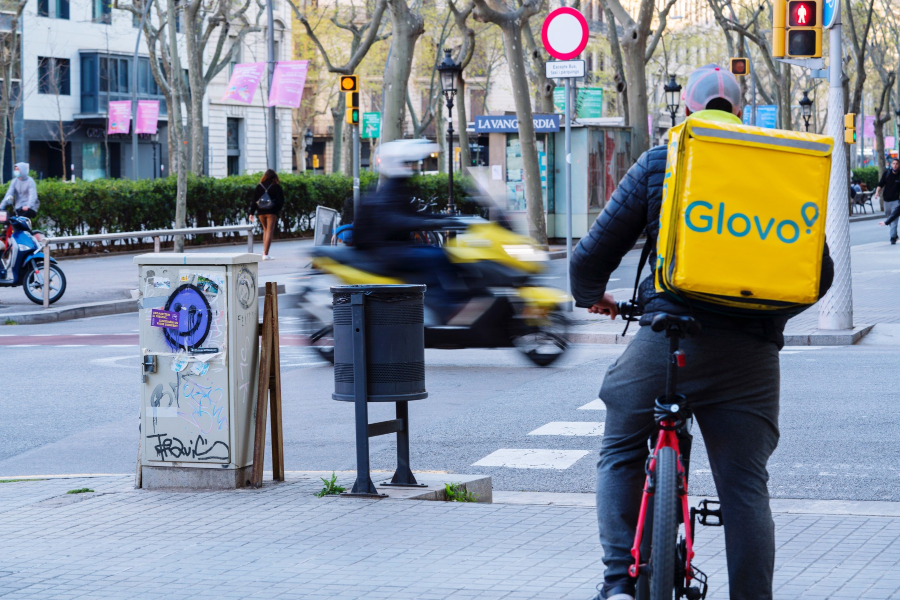 bicycle courier in Barcelona