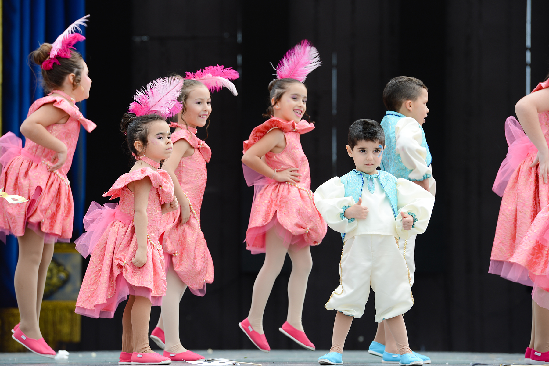 Children dancing in Las Palmas