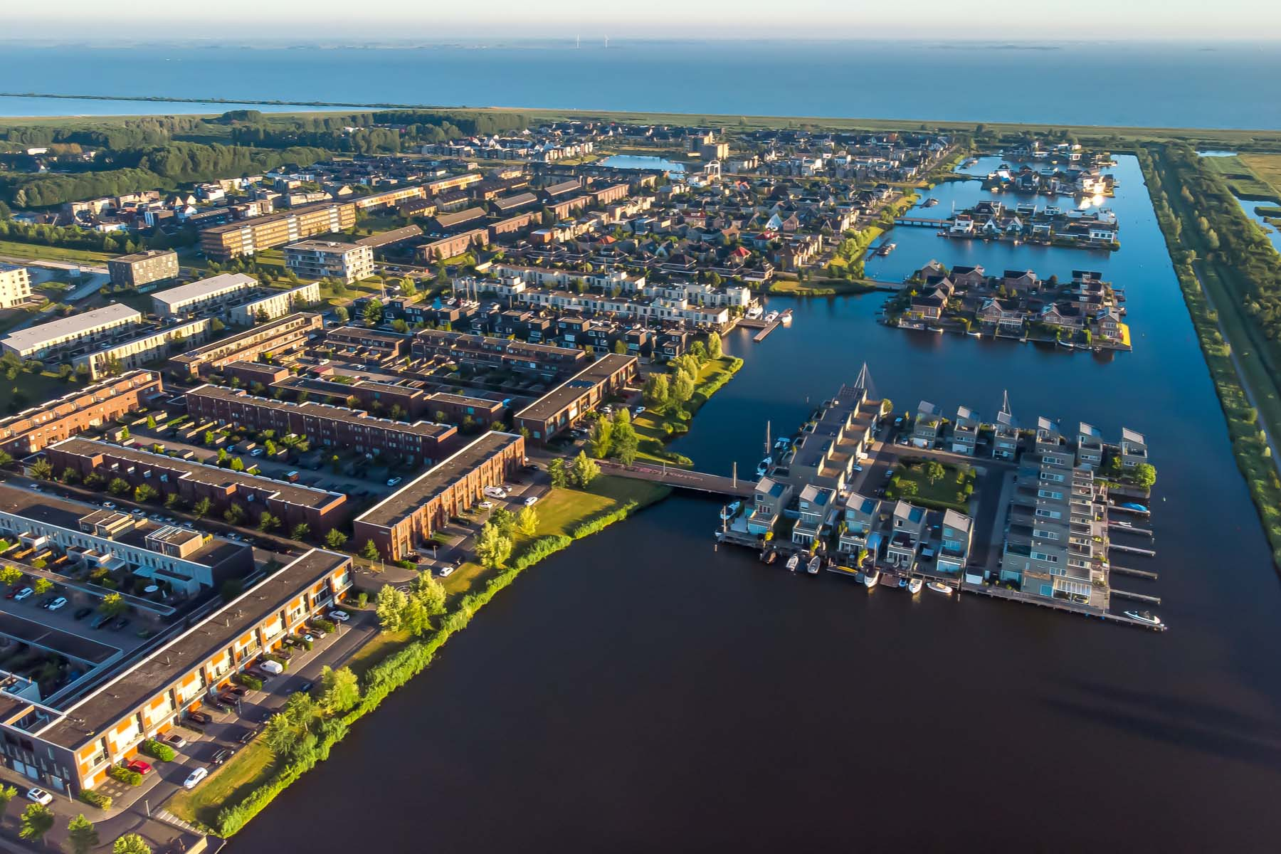 Cities close to Amsterdam: Almere