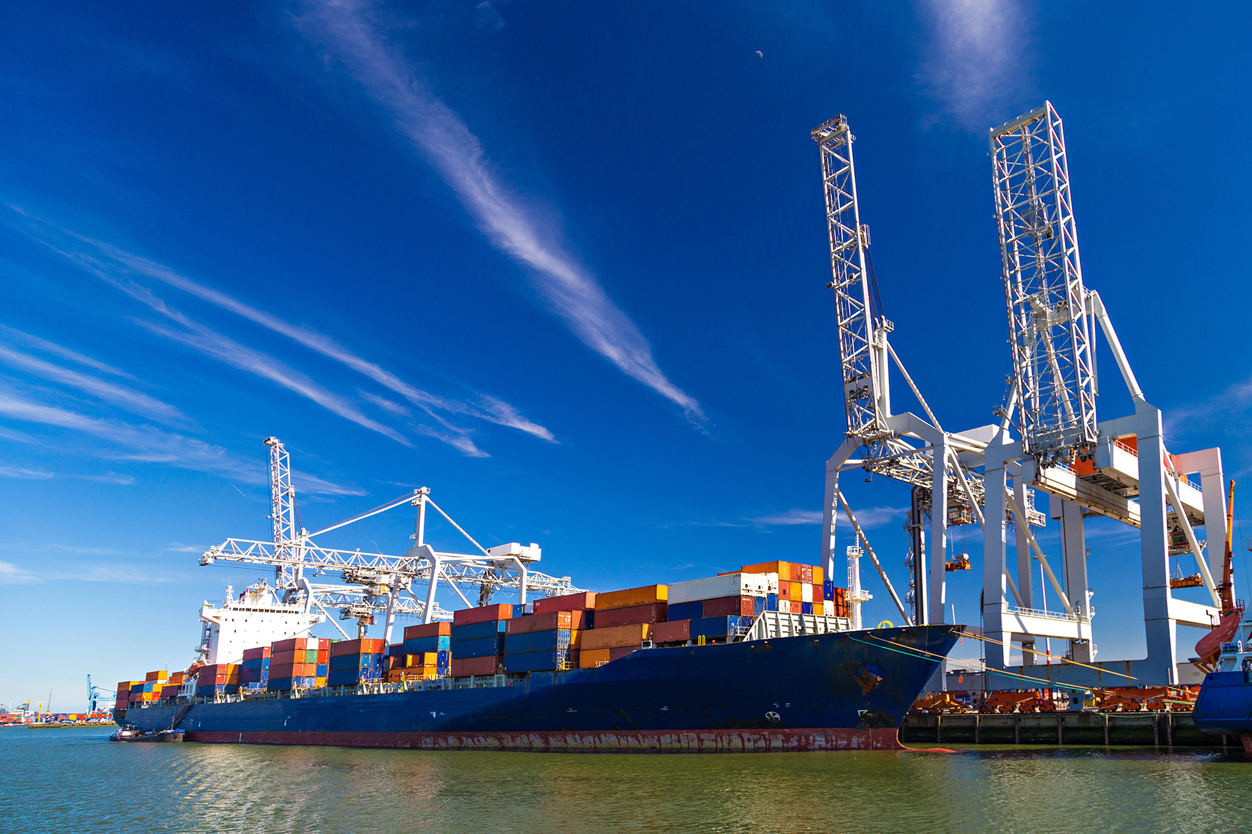 Relocation to the Netherlands with sea freight