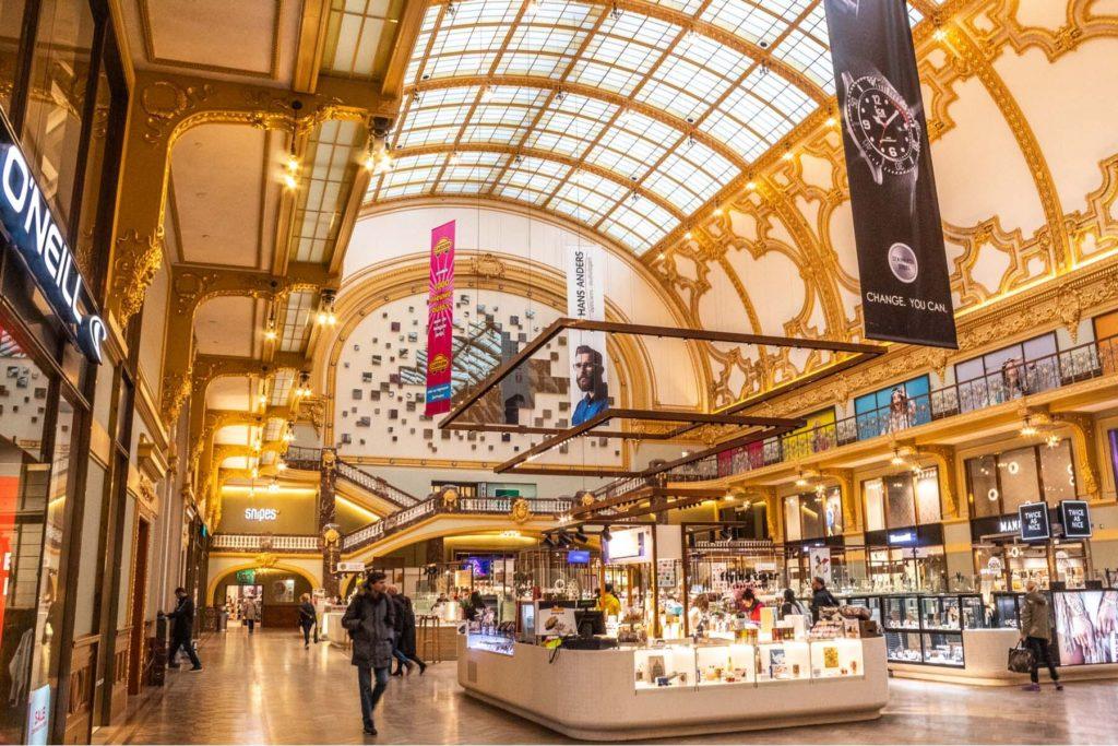 Stadsfeestzaal - shopping in Belgium