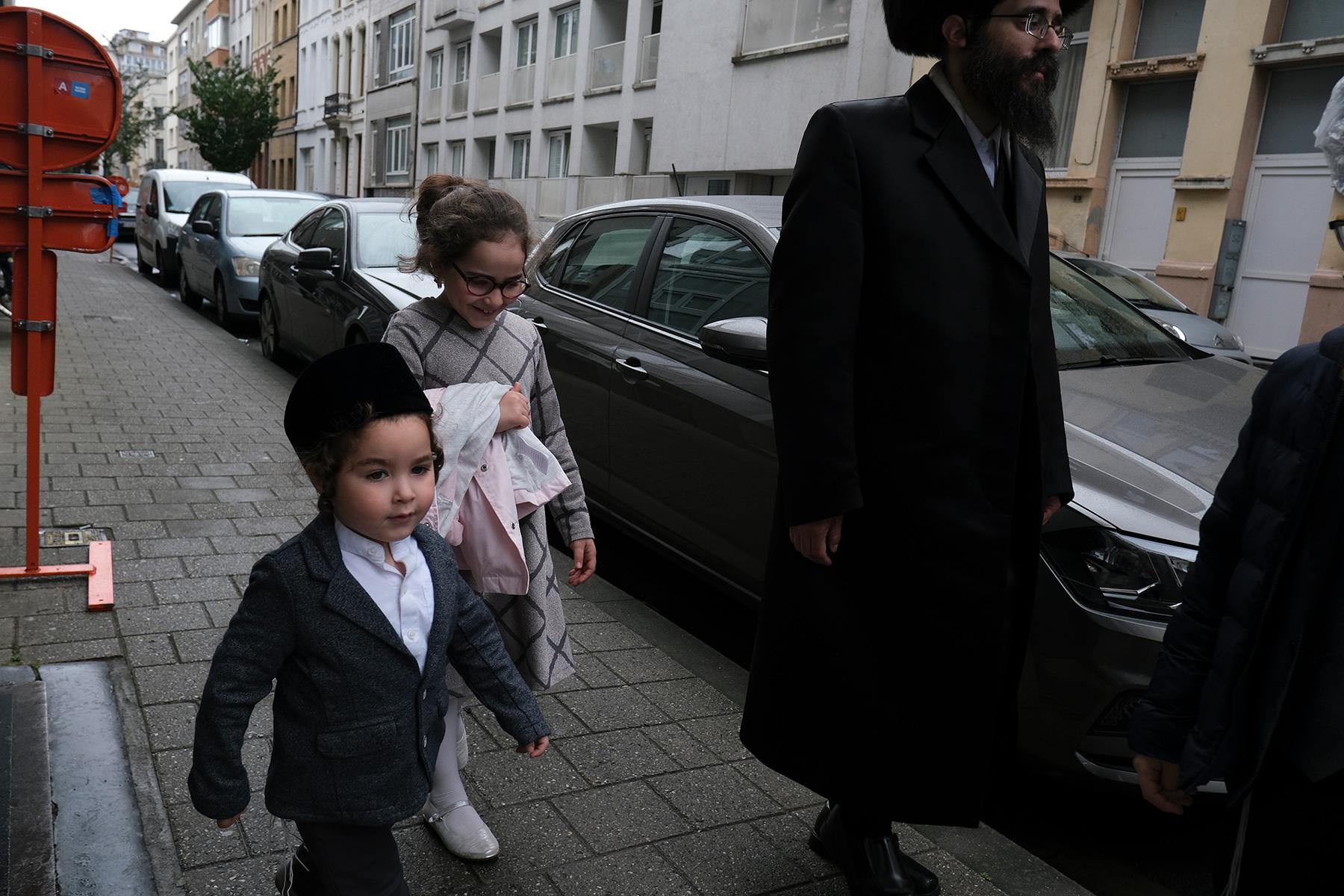 Orthodox Jewish kids in Antwerp