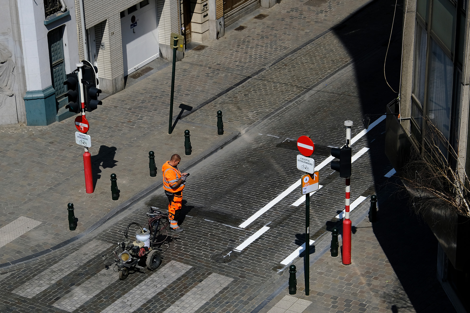 A road construction worker in Brussels