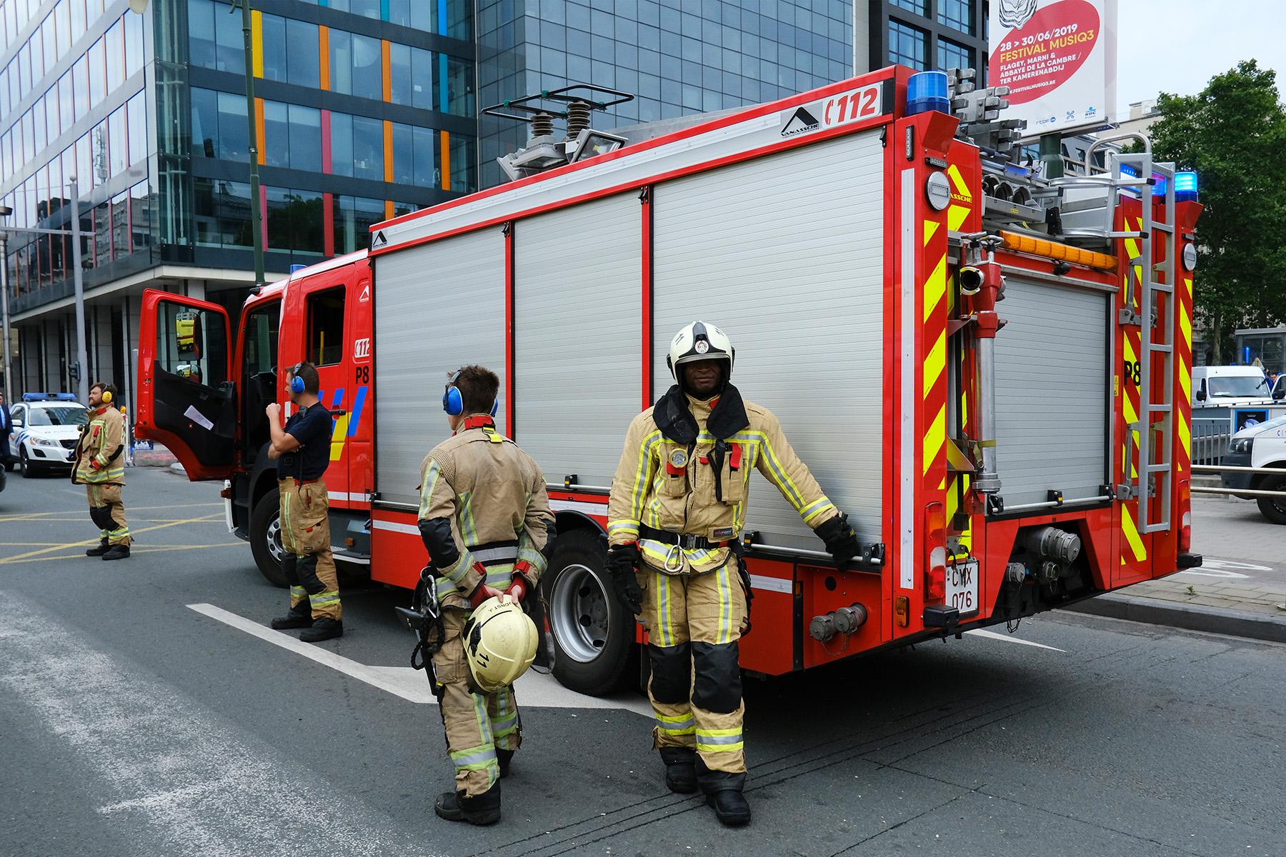 emergency number for firemen in Belgium
