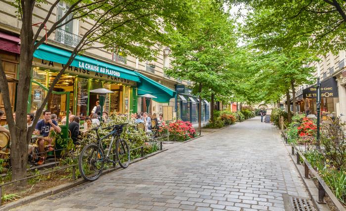 Paris-cafe-scene