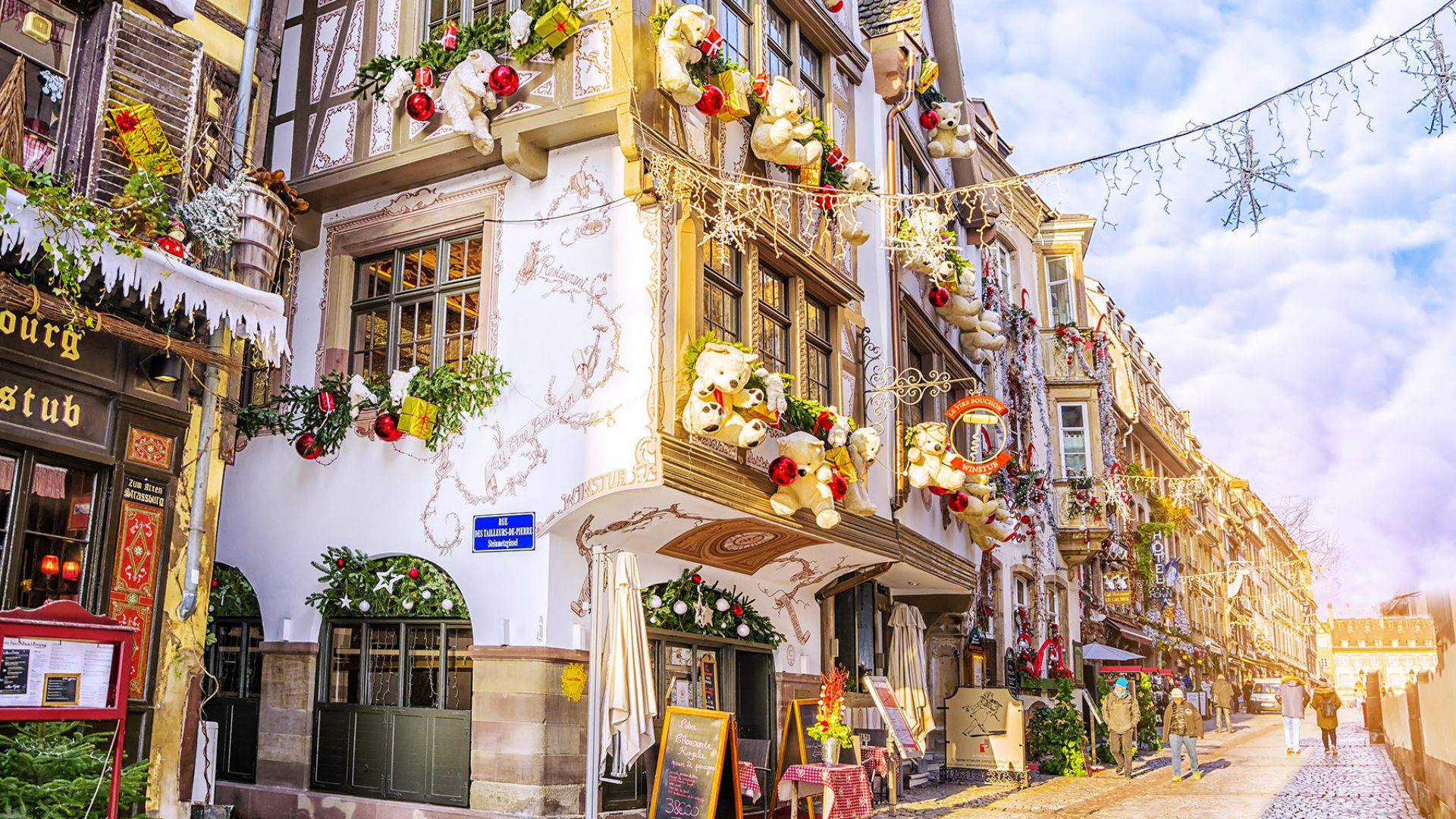 Christmas In France French Christmas Traditions Expatica