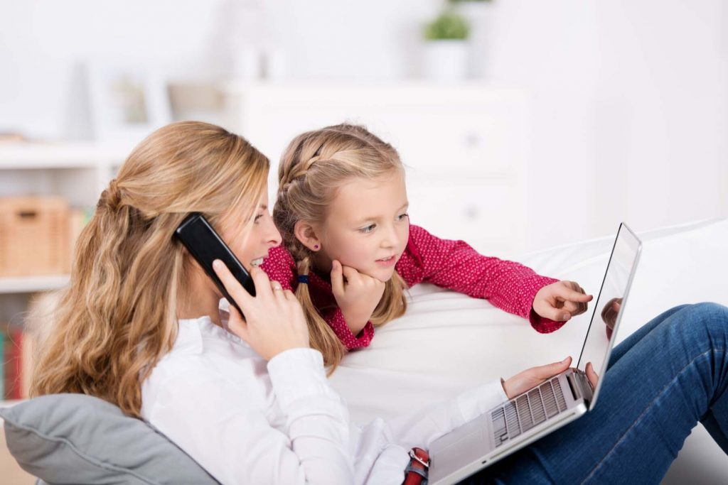 internet in Germany - family using home phone