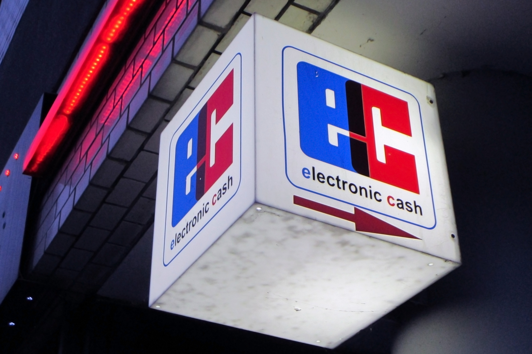 An electronic cash sign in Berlin