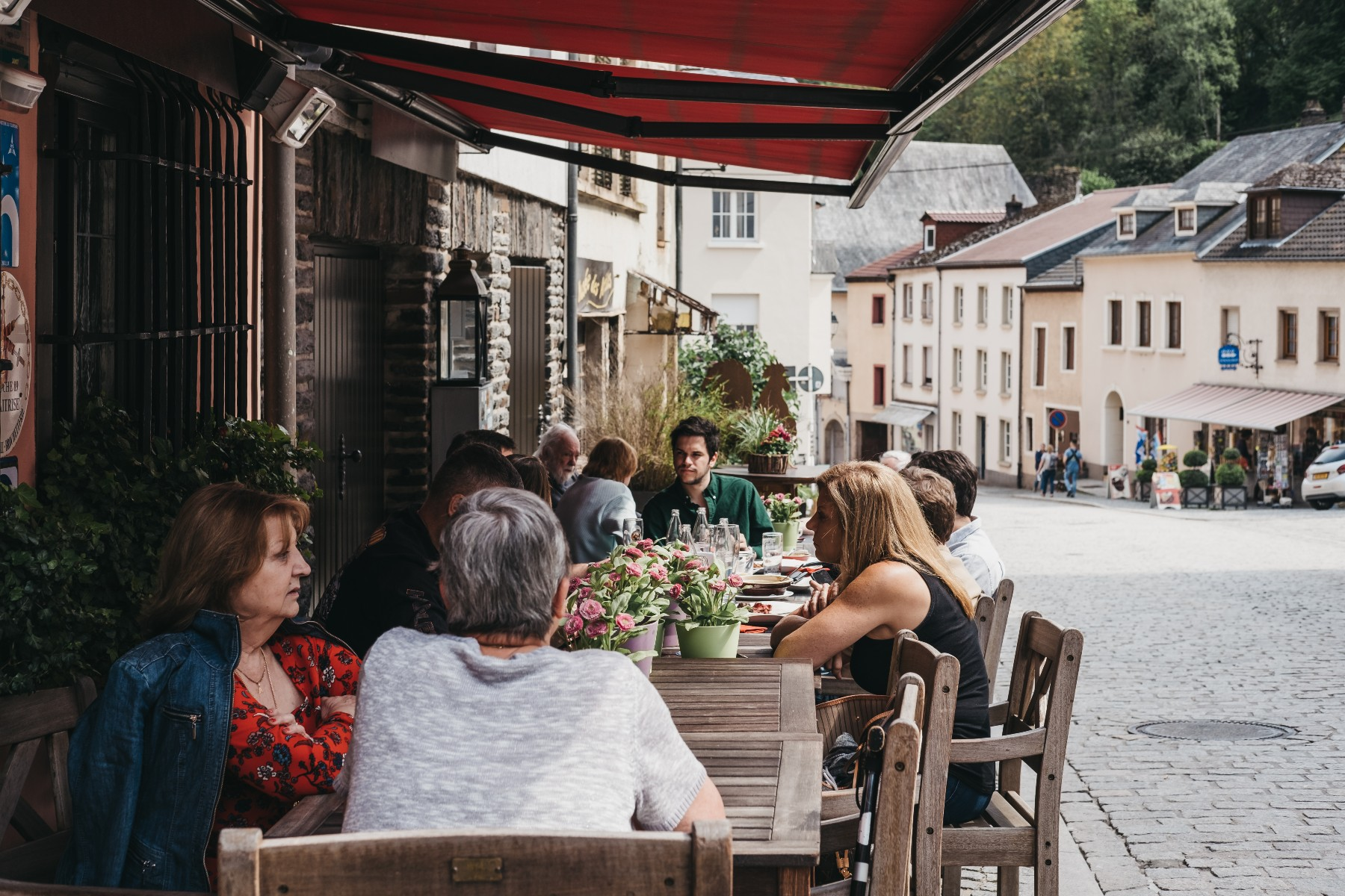people dining out for lunch in Luxembourg