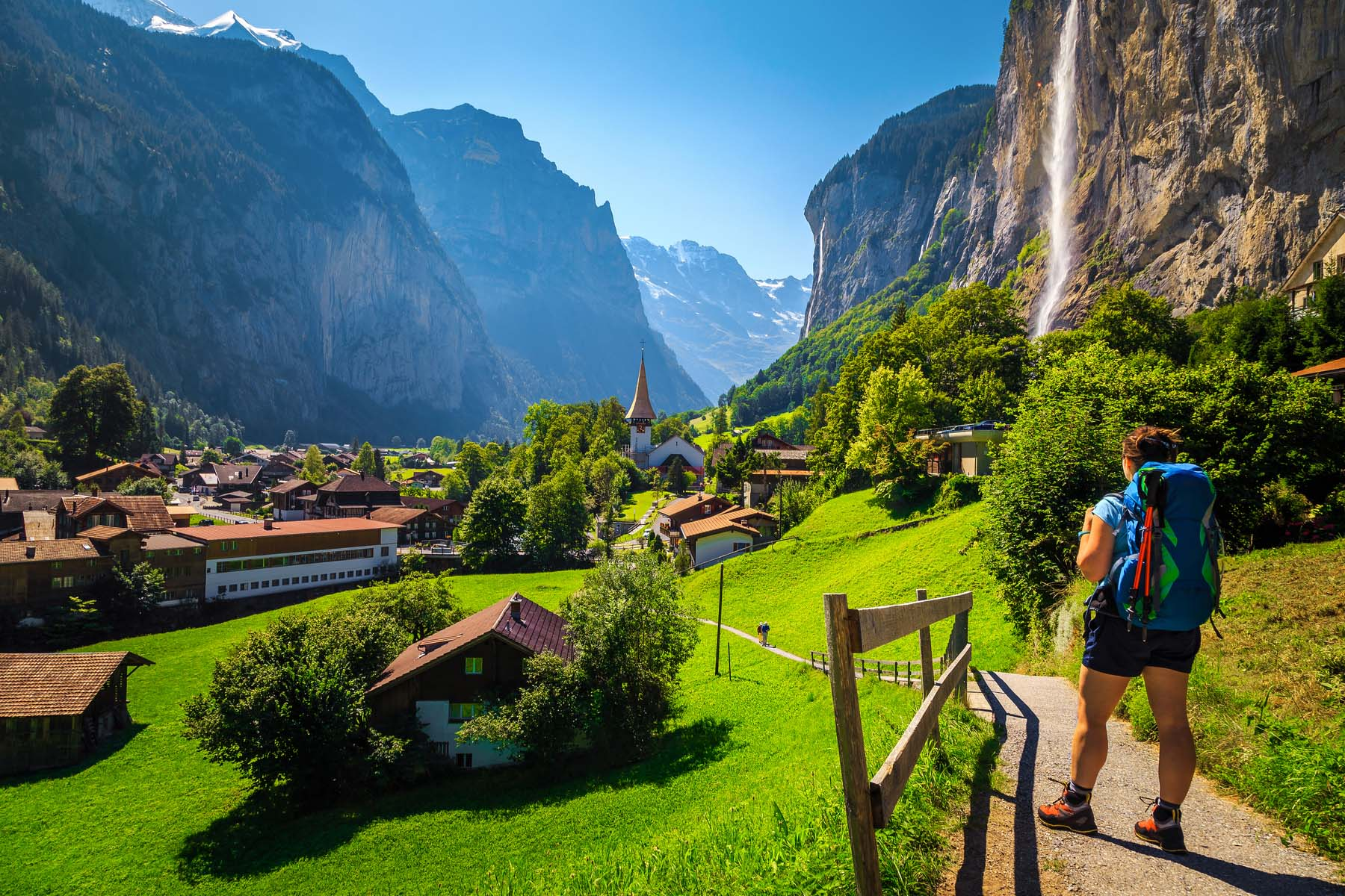hiking in Lauterbrunnen
