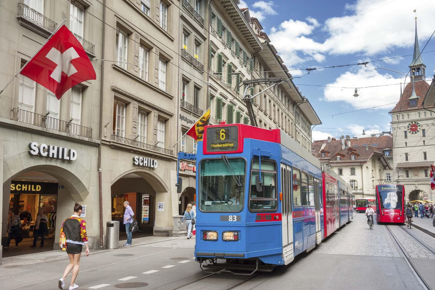 the tram to Muri