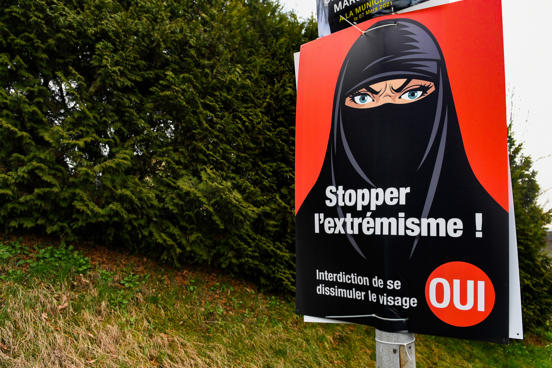 Poster supporting a face covering ban in Switzerland