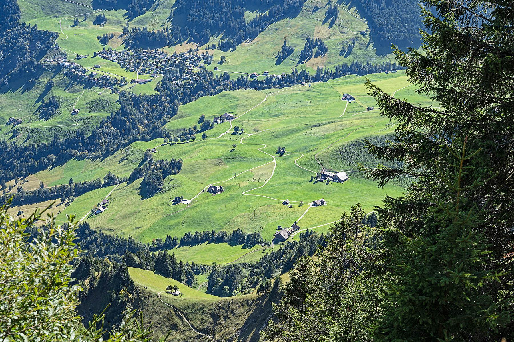 Mountains near Wirzweli