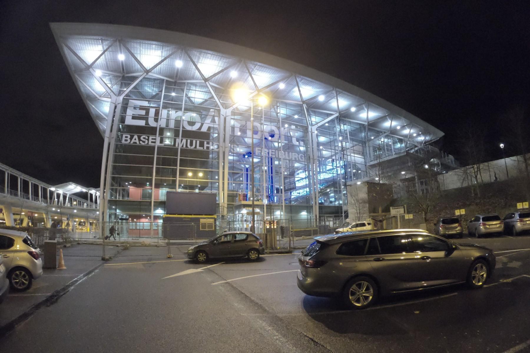 International airports in Switzerland