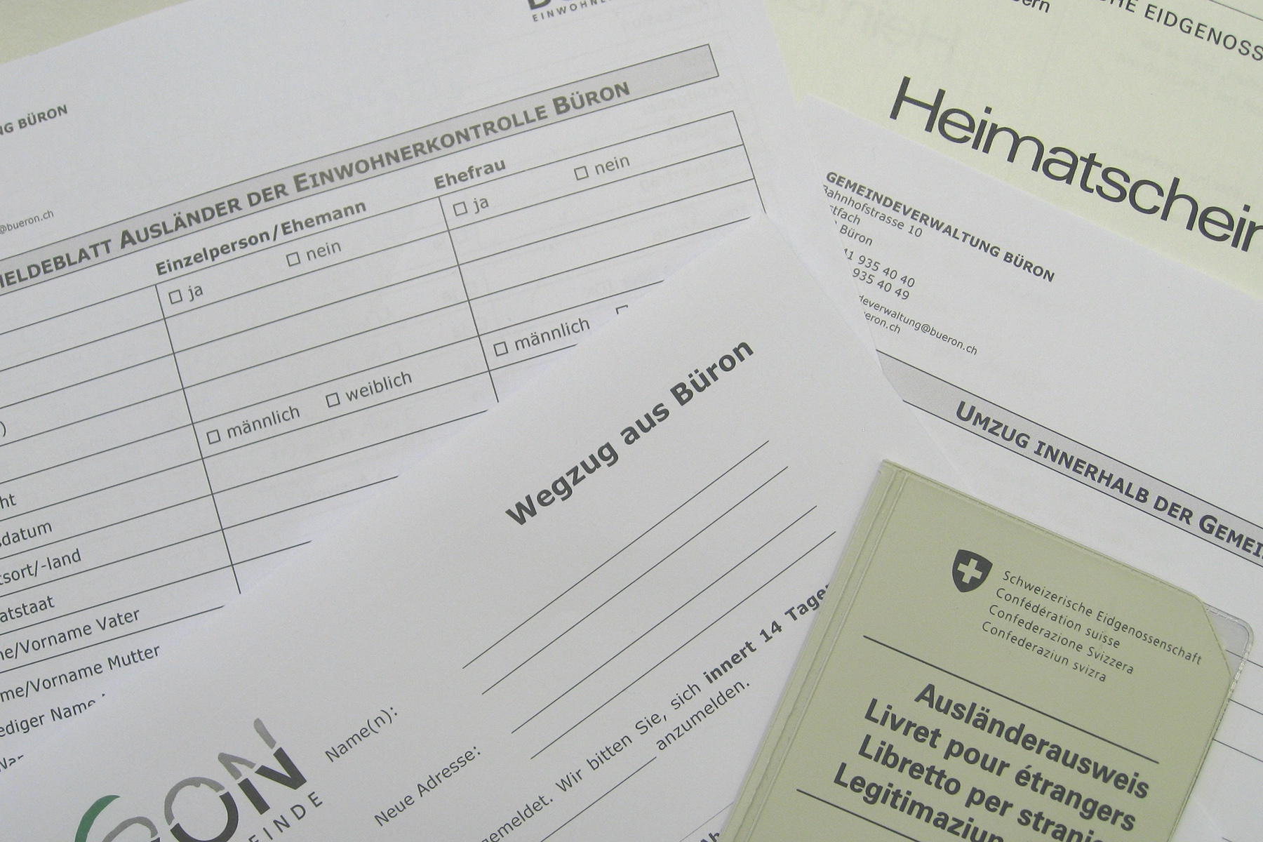 Forms to register at your address in Switzerland
