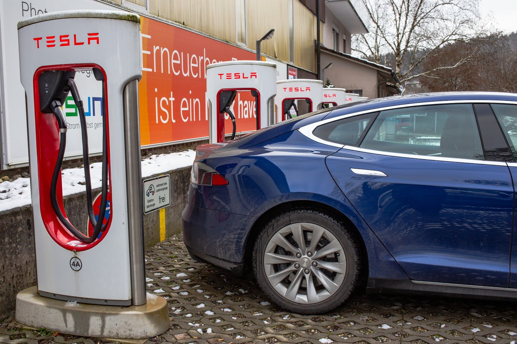 electric car charging in Switzerland