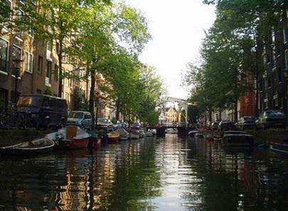 Amsterdam vs. Leiden