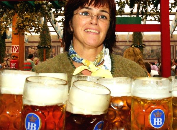 Rick Steves: Munich madness – Oktoberfest and beer halls