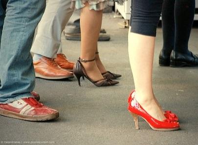 Sunshine & Siestas: The Spanish queue