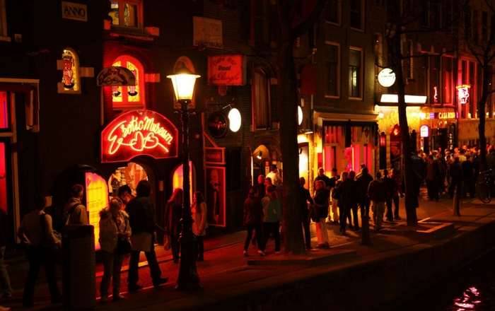 Is Amsterdam safe: Red light district