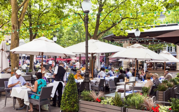 Al fresco dining in Luxembourg City
