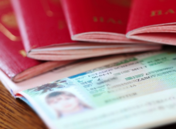 Dutch provisional residence permits (MVV) and temporary residence permits