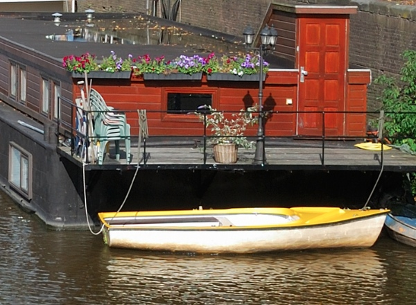 Living on a Dutch barge