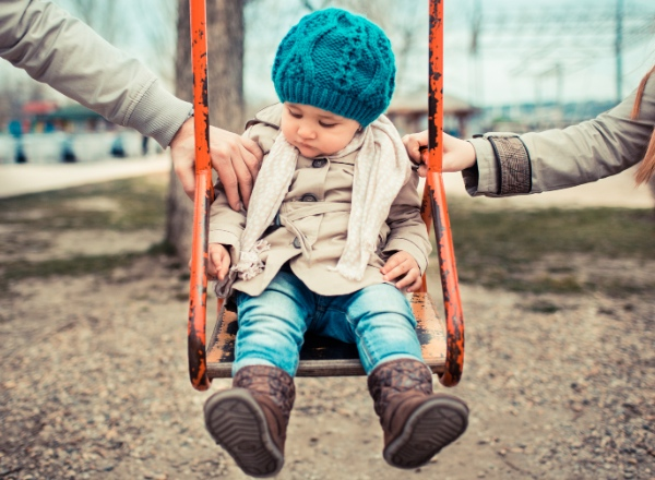 Divorce abroad: 10 steps to protect your children