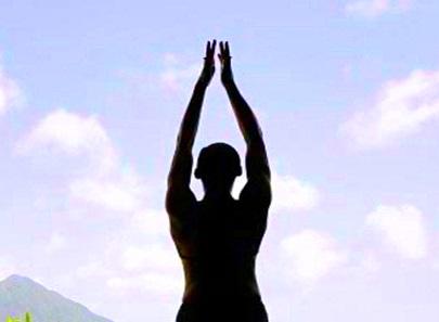 Bikram yoga in Amsterdam: Poking the toxic beehive in gnome shorts