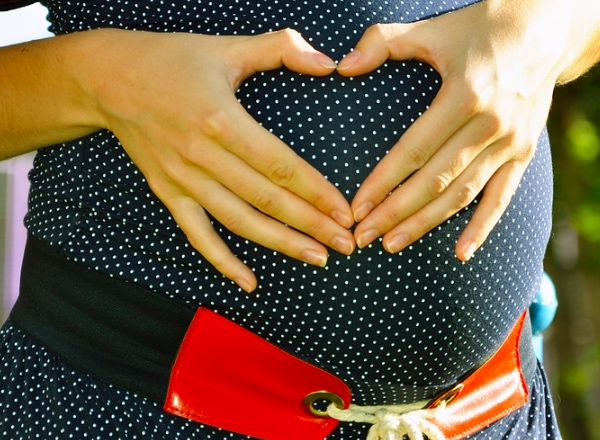 Expat life with a double buggy: Home births – let pregnant woman decide