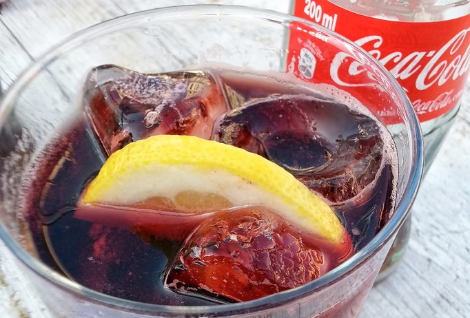 Drinking in Spain:Kalimotxo