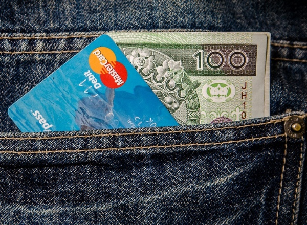 Losing your credit card abroad and other emergencies