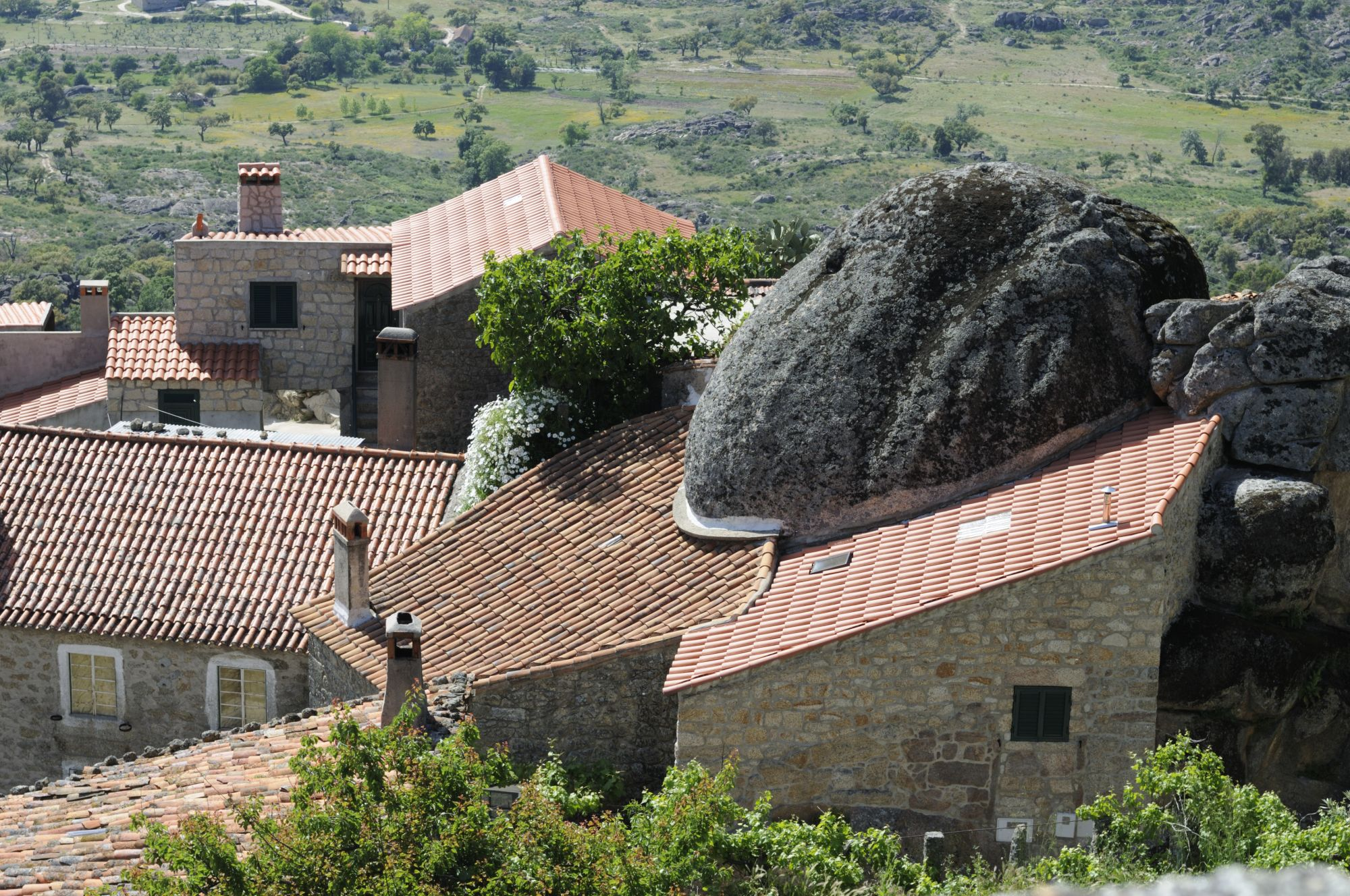 Monsanto, the village built from granite boulders